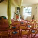 Gottesdienstraum: Blick aufs Kreuz