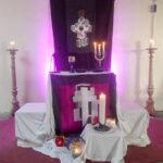 Foto vom Altarbereich im Gemeindezentrum